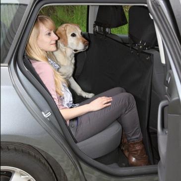 Autopotah za zadní sedadla, černý 1,45 x 1,60 cm Trixie dělitelný